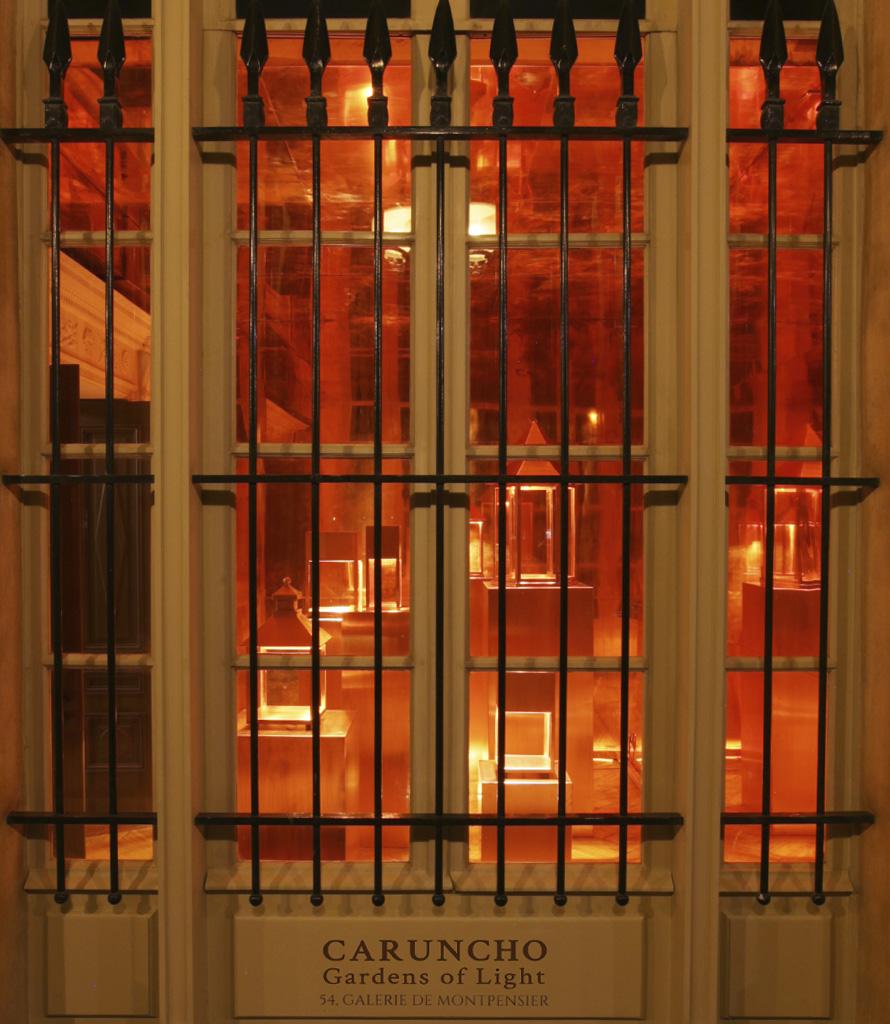palais_showroom_gardens_of_light